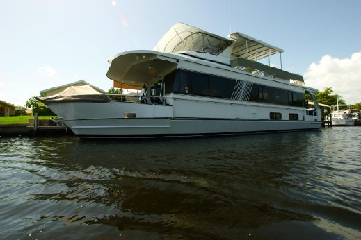 2001 Monticello 60 River Yacht
