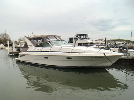 1998 Trojan 400 Express Yacht