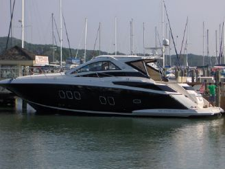 2010 Regal 52 Sport Coupe