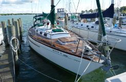 1979 Cheoy Lee 41 offshore