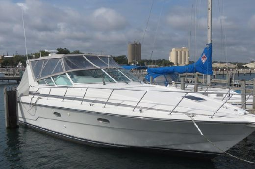 1994 Carver Yachts Trojan 370 Express