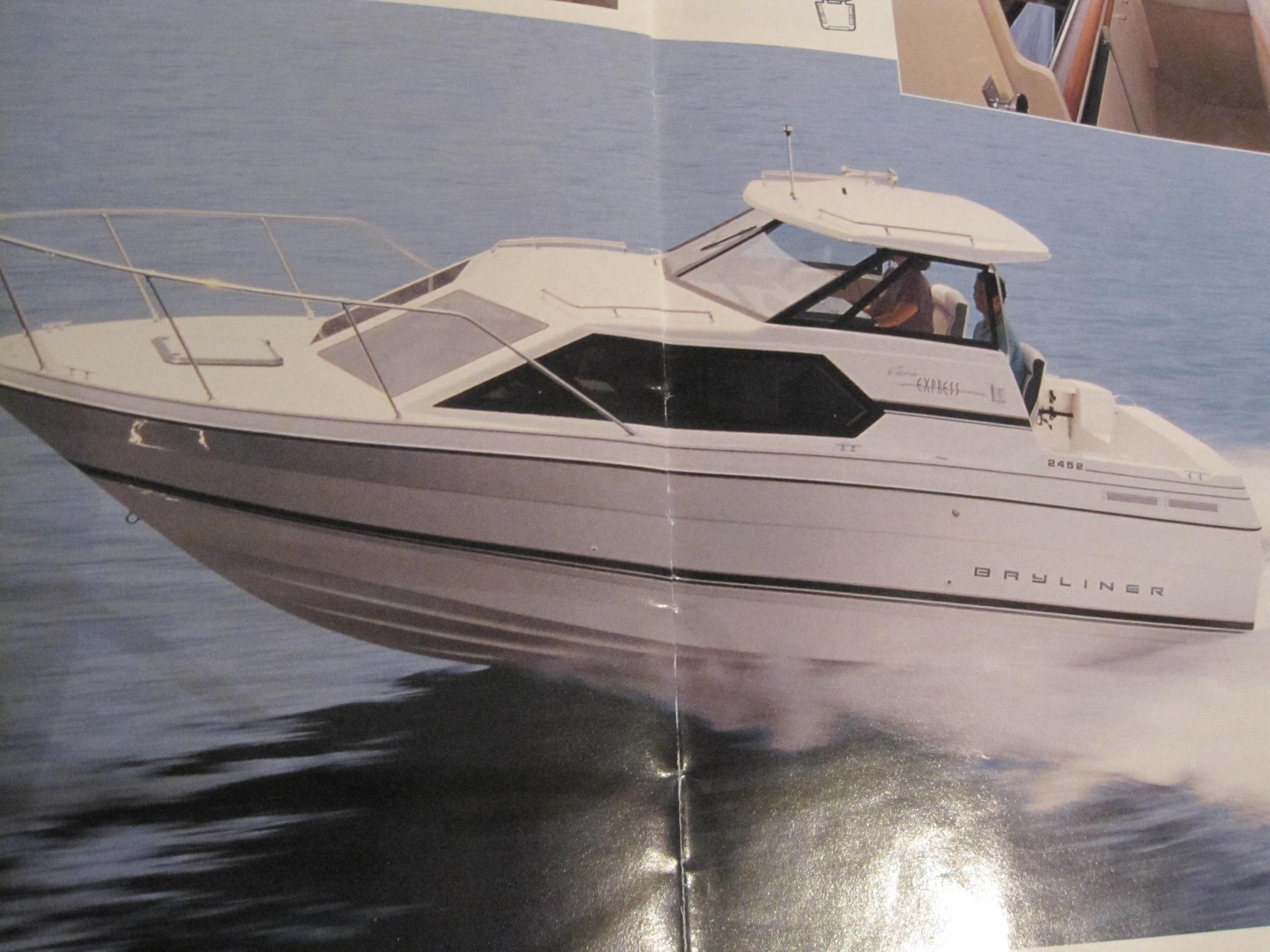 1996 Bayliner 2452 Ciera Classic Power Boat For Sale - www.yachtworld.com