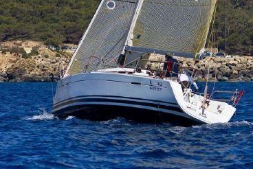 2011 Beneteau First 35