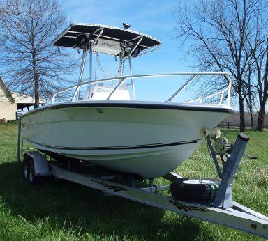 2005 Angler 2200 Grande Bay