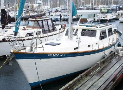 1982 Cooper Yachts 37' Raised Salon / Pilothouse
