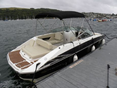 2009 Regal 2220 FasDeck