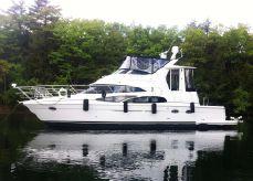 2005 Carver 444 Cockpit Motor Yacht