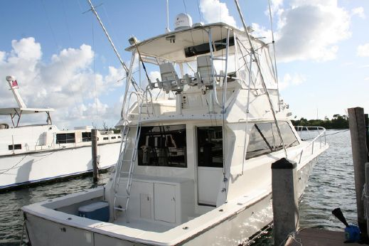 1997 Viking Yachts 43 Convertible