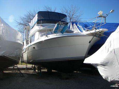1993 Carver Yachts 370 aft cabin