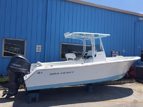 2015 Sea Hunt 234 Ultra w/ Yamaha F250
