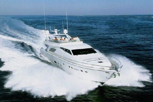 2004 Ferretti Yachts 810