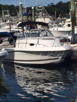 2001 Seaswirl cabin cruiser