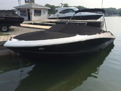 2012 Regal 2200 Bowrider