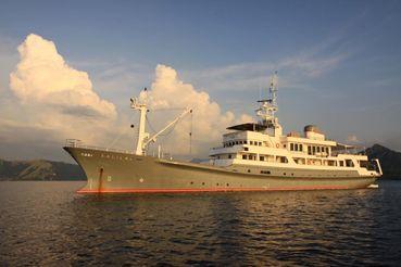 1991 Custom Expedition Charter Yacht