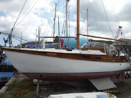 1983 Robert Tucker Wooden Cutter 36'