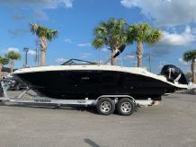 2020 Sea Ray SDX 270 Outboard