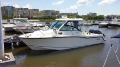 2015 Boston Whaler 28 Conquest