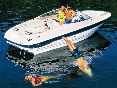 2000 Bayliner 2350 Capri Sport DX/LX