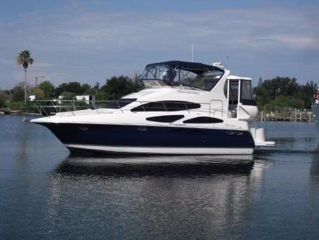 2006 Cruisers Yachts 395 Motoryacht