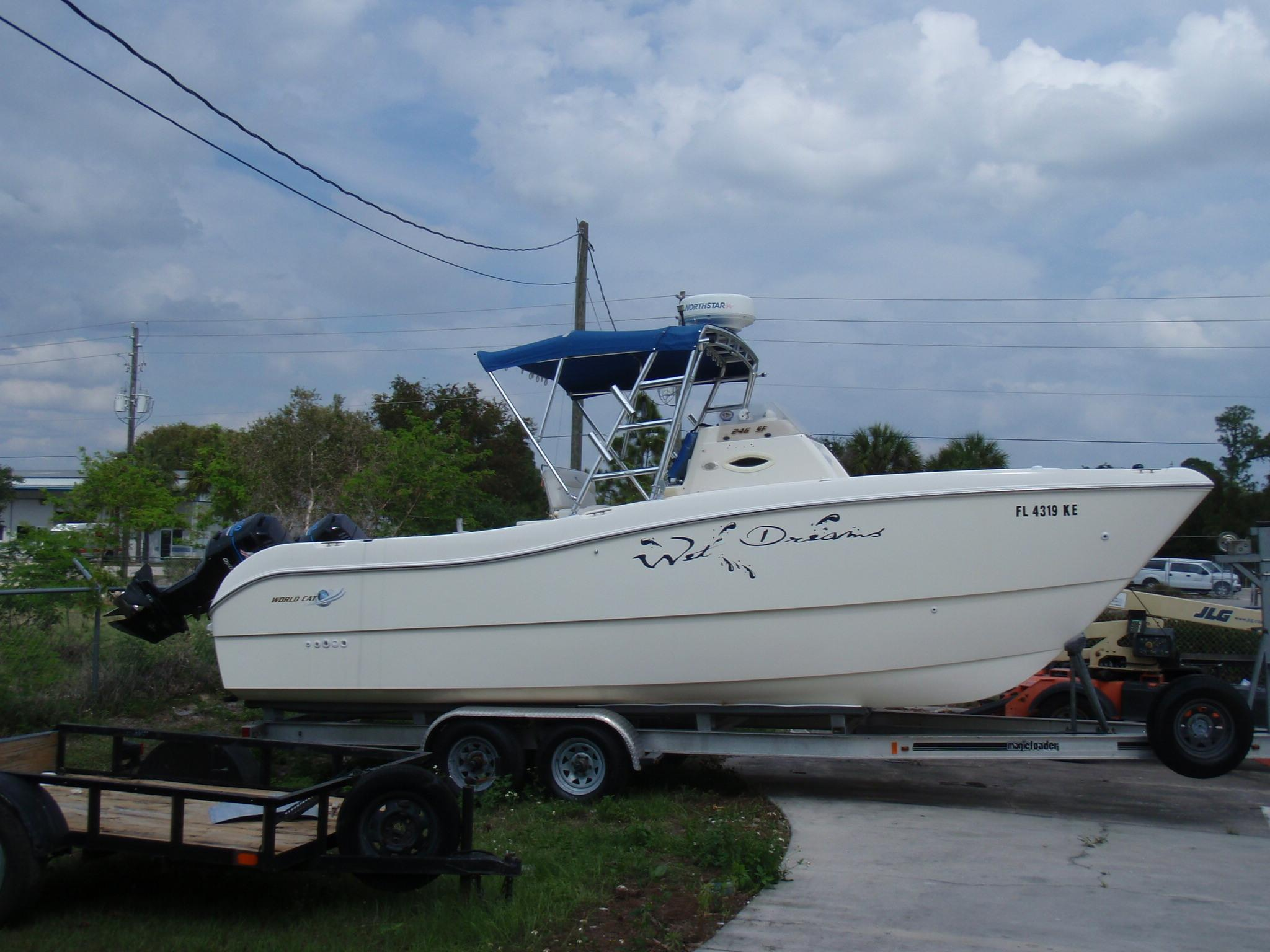 24 ft 1998 world cat 246 center console