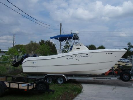 1998 World Cat 246 Center Console