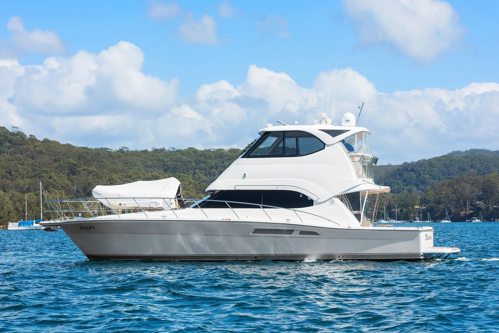 2009 Riviera 47 Enclosed Flybridge Series II Power Boat For Sale -