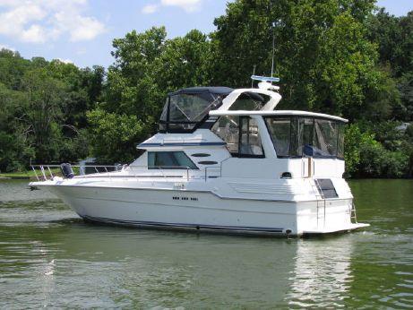 1989 Sea Ray 440 Motor Yacht