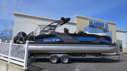 2017 Aqua Patio 250 Express