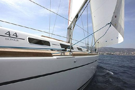 2006 Dufour 44 Performance