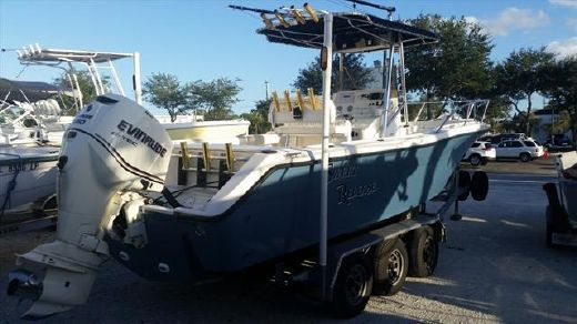 1995 Pursuit 2470 Center Console