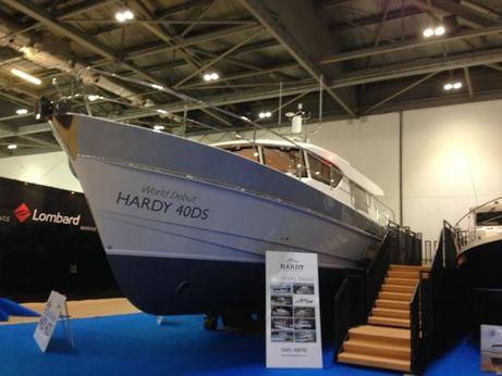 2014 Windboats Hardy 40DS