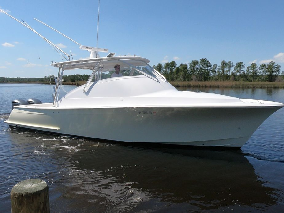 2011 custom carolina brooks-inside stored-low original hours-best sea boat in her class