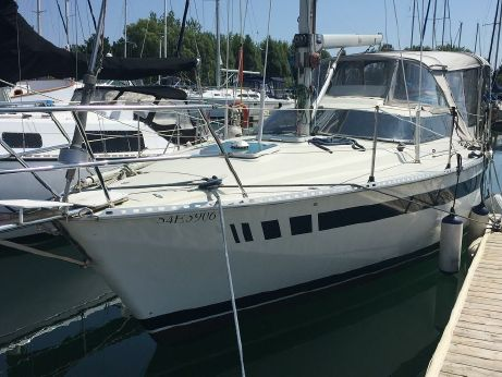 1985 Yachting France Jouet 940MS