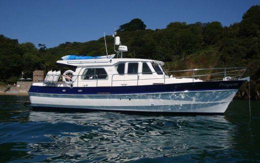 2014 Windboats Hardy 36 Sedan.