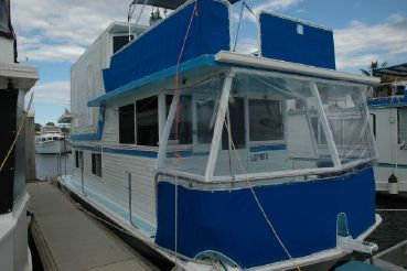 1972 Vickers Houseboat