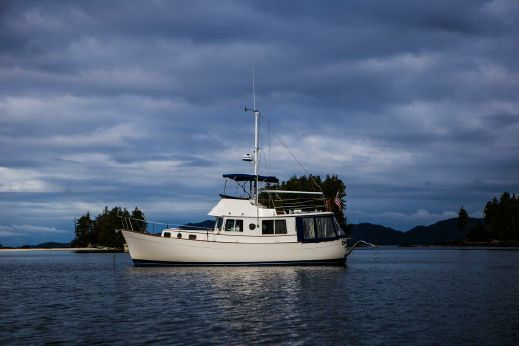 1974 Willard 40 Flybridge Trawler
