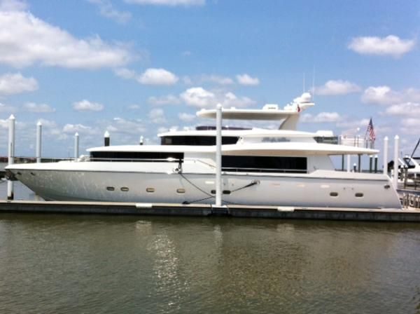 87 39 Used Johnson Motor Yacht For Sale Atlantic Yacht