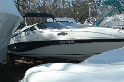 1998 Rinker 232 Captiva Cuddy