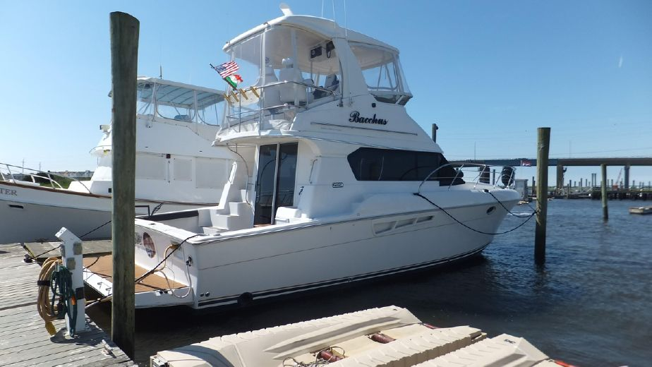 2000 Silverton 42 Convertible w 435 hours Power Boat For Sale -