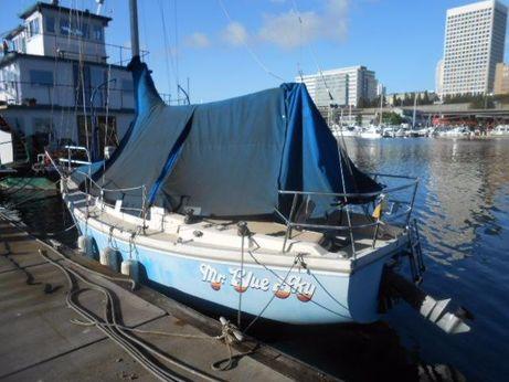 1981 Catalina 27 sloop sailboat