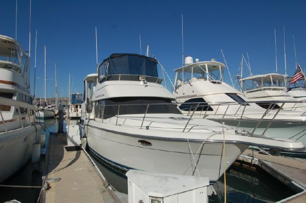 photo of 39' Carver 390 CPMY