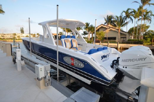 2015 Cigarette 39 GTS Performance Center Console