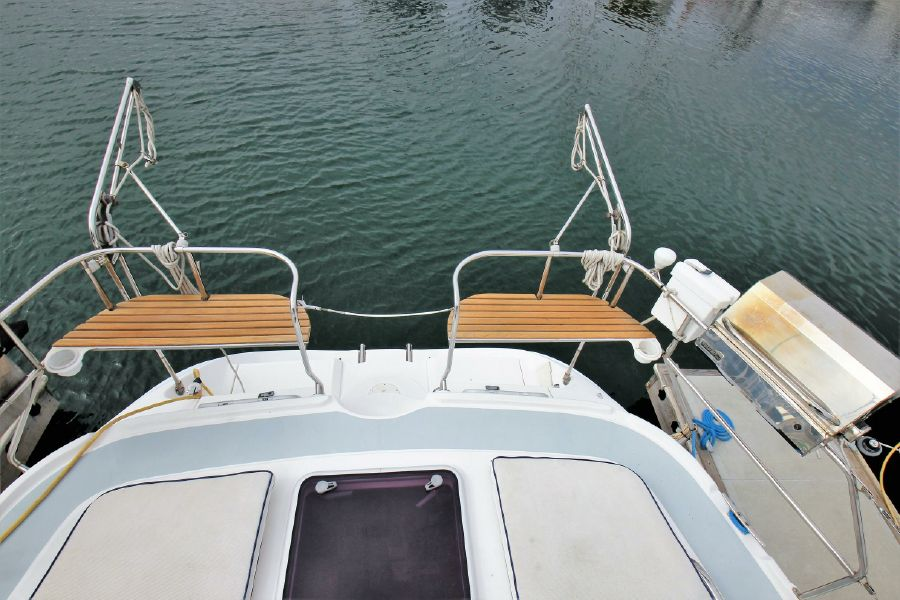 Hunter 456 Sailboat Railing Seats