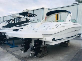 2001 Sea Ray 290 Bow Rider
