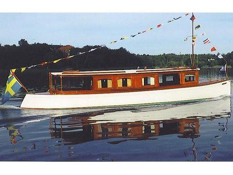 1905 Pettersson Saloonboat