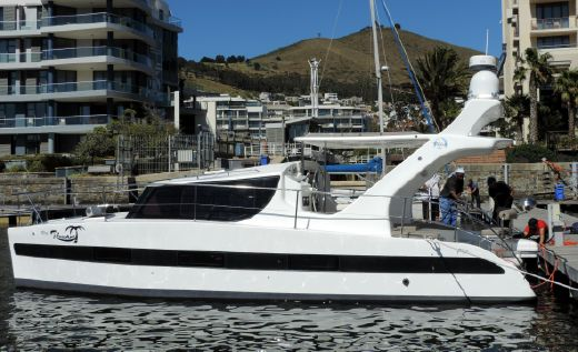 2017 Tru32 Power Catamaran