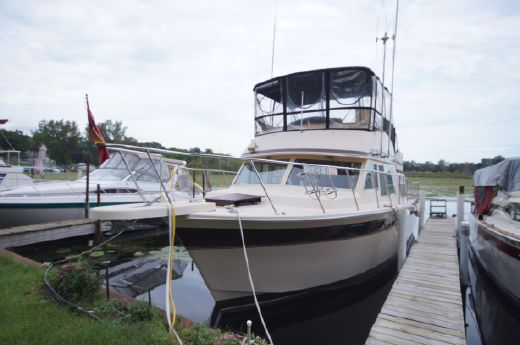 1982 Chris-Craft 380 Corinthian