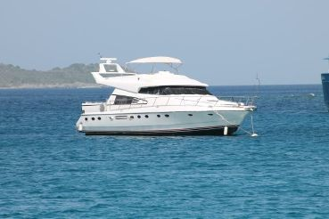 1991 Johnson 65' Flybridge Motor Yacht
