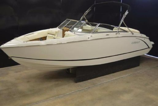 2016 Cobalt Boats R5