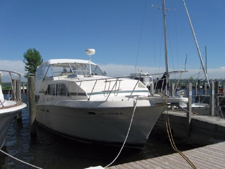 1987 Chris-Craft 381 Catalina